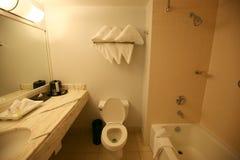 Salle de bains d'hôtel images stock