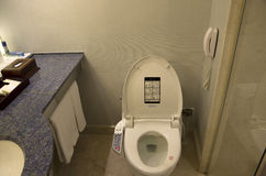 Salle de bains de chambre d'hôtel Images stock