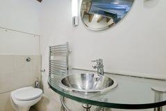 Salle de bains de conversion d'entrepôt Photo libre de droits