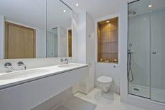 Salle de bains de famille photo stock