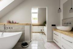 Salle de bains de minimalisme images libres de droits