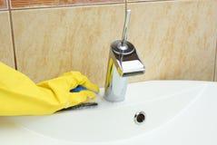 Salle de bains de nettoyage photo stock