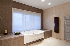 Salle de bains de ?omfortable Photos stock