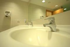 Salle de bains de STATION THERMALE photographie stock