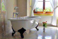 Salle de bains de style de vintage Photographie stock libre de droits