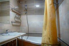 Salle de bains intérieure images stock