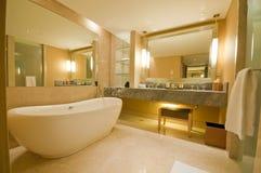 Salle de bains luxueuse Images libres de droits