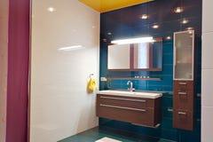 Salle de bains moderne photo stock