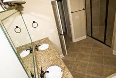 Salle de bains moderne neuve photo stock