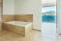 Salle de bains, plancher de marbre Image libre de droits