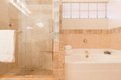 Salle de bains principale Photo libre de droits