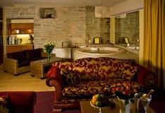 Salle de bains principale luxueuse Photos stock