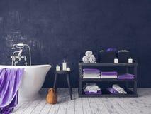 Salle de bains rustique avec le vieux tabouret en bois Photo stock