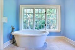 Salle de bains ultramoderne Photos stock