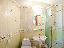 Salle de bains verte Photos stock