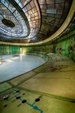 Salle de commande d'une centrale abandonnée Images libres de droits