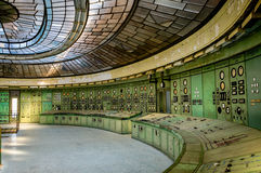 Salle de commande d'une centrale abandonnée Photos stock