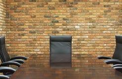 Salle de conférence avec le mur de briques Photographie stock libre de droits