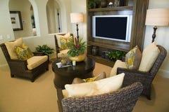 Salle de séjour à la maison de luxe. Images stock