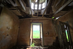 Salle de séjour abandonnée Photographie stock
