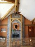 Salle de séjour avec la cheminée   Images stock