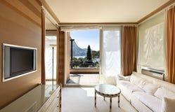 Salle de séjour classique confortable image stock
