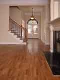 Salle de séjour de luxe avec la cheminée et le foyer 3 Photo libre de droits