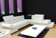 Salle de séjour intérieure moderne Photographie stock libre de droits