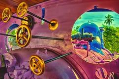 Salle des machines sur le train de vapeur Images libres de droits