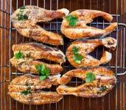 Salmon зажаренные стейки Стоковое Фото