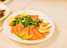 Salmon и копченый угорь сортировано Ресторан стоковое изображение