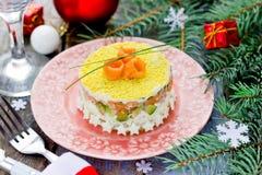 Salmon салат риса авокадоа на таблице рождественского ужина Стоковые Фотографии RF