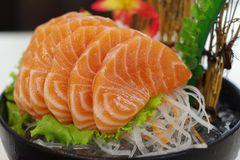 Salmon сасими с цветком Стоковые Фотографии RF