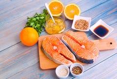 Salmon стейки с соусом Стоковое Фото