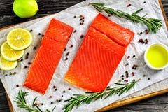 Salmon филе с свежим розмариновым маслом, смешиванием перца Стоковое Изображение