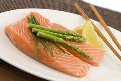 Salmon and asparagus Royalty Free Stock Photos