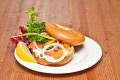 Salmon Bagel Sandwich royalty-vrije stock afbeelding
