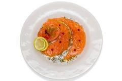 Salmon Carpaccio с розовыми перцем и соком 2 лимонов Стоковое Изображение