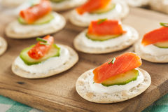 Salmon and Cracker Hor D'oeuvres Royalty Free Stock Photography