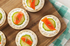Salmon and Cracker Hor D'oeuvres Stock Photos