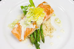 Salmon Entree with Asparagus Stock Images