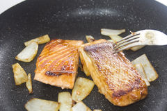 Pan fried salmon Royalty Free Stock Photos