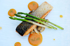 Salmon grilled with asparagus Stock Photography