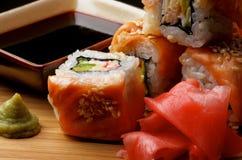 Salmon Maki Roll Lizenzfreies Stockbild