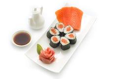 Salmon Maki sushi Arkivbilder