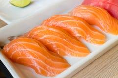 Salmon nigiri суш или семг в японском стиле свежем Стоковые Фото