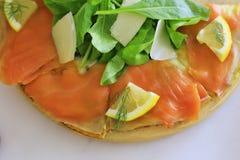 Salmon Pizza stock afbeeldingen