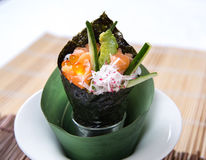 Salmon Roe Avocado Hand Roll Temaki Foto de Stock Royalty Free