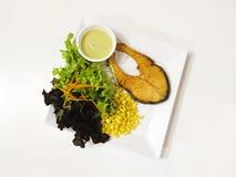 Salmon Salad med sötsak- och ljuddressingen Arkivbilder
