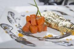 Salmon Steak mit Goldenem Lizenzfreies Stockbild
